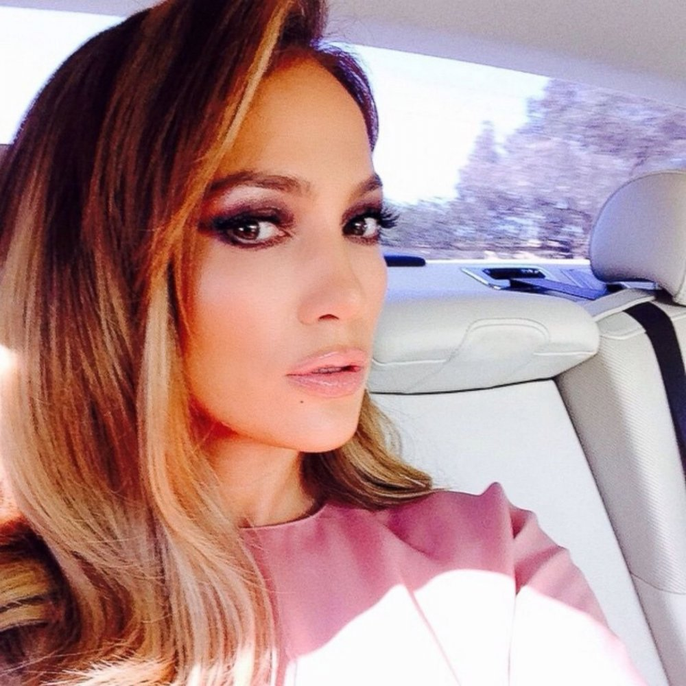 Nový účes Jennifer Lopez - krátké vlasy   40a95e6ff83